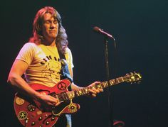 Alvin Lee dies following routine surgery complications at the age of 68