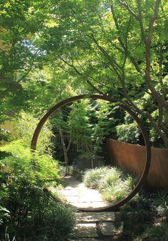 tim o'shea + davis dalbok collaboration / kentfield garden incorporating corten moon gate