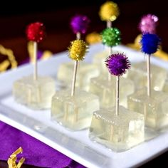 The perfect NYE treat - jello shots infused with some bubbly! jello shots, champagne, food, drink, champagn jello, new years eve, year eve, parti, birthday cakes