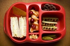 SMART packaging for kiddos lunches. no brown bag or ziplocks needed.