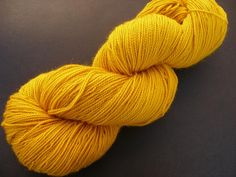 I used turmeric powder and the sun to dye some superwash sock yarn.     http://biocurmin.blogspot.com/