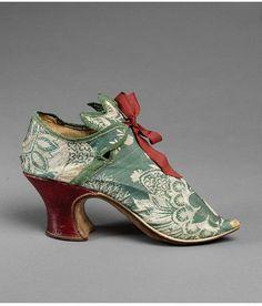 Carson Pirie Scott Lady Shoes