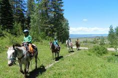 4 Great Places to Stay Near Yellowstone National Park