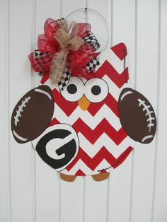 Owl door hanger......change colors to ol wvu blue and gold of course ;)