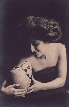 skulls, milk, death, bone, vintag photo, dark, the artist, maiden, photography
