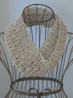 Balls to the Walls Knits: Madeira Mesh Cowl