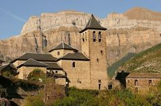 TORLA. Es puerta de acceso al Parque nacional de Ordesa y Monte Perdido, así como al Valle de Broto. Se encuentra a 100 km de Huesca capital.