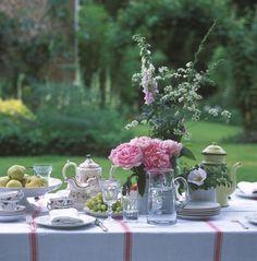 Lovely table setting for Belgium National Day.