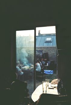 friends, party outside, dinner parties, barbecues, joe wilson