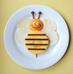 One Sweet Bee #snack idea || #LittlePassports #Cute #food for #kids