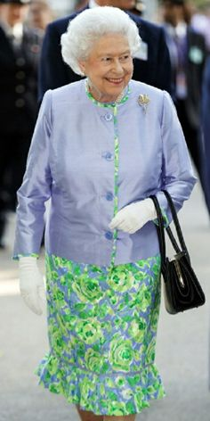 Britain's Queen Elizabeth II visits the Chelsea Flower Show on press day in London on 19.05.2014.