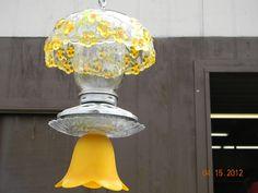 PRETTY YELLOW RECYCLED GLASS BIRD FEEDER !
