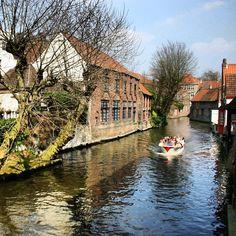 Don't you just love Bruges? #canals #bruges