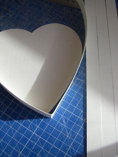 bonjour à toutes comme promis voici le tuto pour la boite Coeur j'espère avoir fait assez de photos tout d'abord le gabarit : Gabarit du coeur et ici instructions pour la réalisation de la boite coeur voici la première partie de l'opération terminée et...