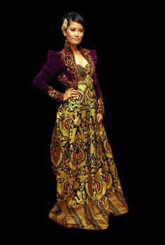 Titi Sjuman wearing Anne Avantie