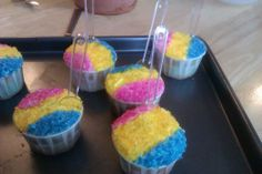 Snow cone cupcakes, deliciously moist vanilla cake and frosting with a cute twist.