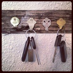 useless keys as keyholder...ah ha...finally a way to use all those old keys which belongs to who knows what.