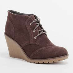 i looove my desert/oxford boots  http://www.wantedshoes.com