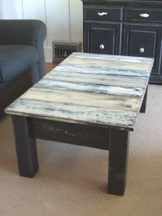 Pallet coffeetable. Would be great for my kids homes.