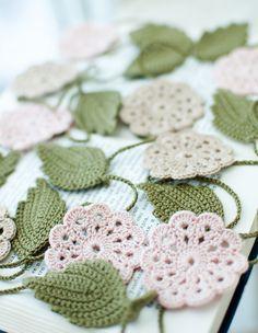 Crochet flower garland... Guirnalda de flores a crochet...