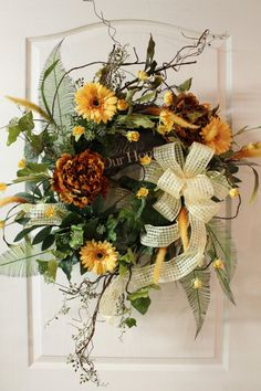 summer wreath with yellow daisies