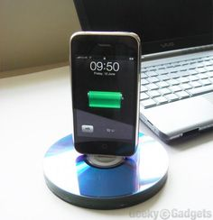 DIY : Recycled CD iPhone stand/dock #CD, #DIY, #Dock, #IPhone, #Stand