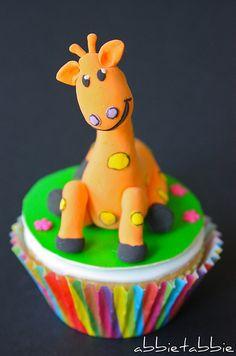 Giraffe Cupcake lol it's cute