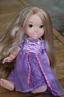"""""""Magic spray"""" for tangled, frizzed-out doll hair."""