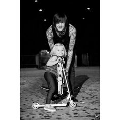 Mitch Lucker and his daughter<3