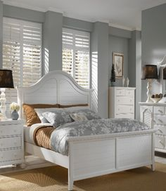Coastal Bed, White