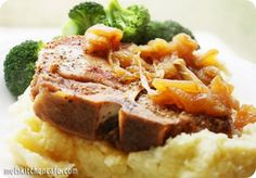pork chops with caramelised apples and onions
