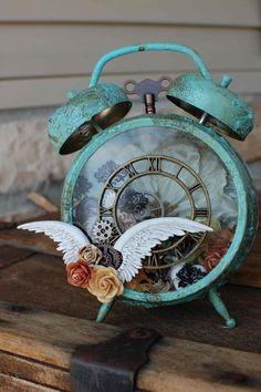 Altered Clock - Scrapbook.com