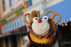 Sven cupcake  from WDW MVT809411THUMB