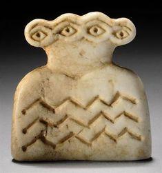 Syrian marble double 'eye' goddess, Tell Brak, 4th millennium b.c.e.
