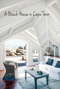 I want to live near the beach in a house like this...