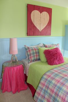 Girls room, pink, blue, lime green