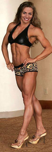 IFBB Figure Pro Juliana Malacarne.