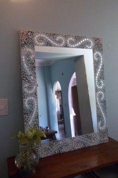 Espejos decorativos on pinterest minimalist bedroom bar for Espejos artesanales
