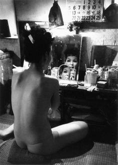 Werner Bischof - Strip-tease girl, Tokyo, 1951