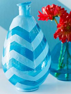 Customize a basic vase with stylish chevron! Find out how: http://www.bhg.com/decorating/do-it-yourself/accents/diy-accessories/?socsrc=bhgpin051513chevronvase=2