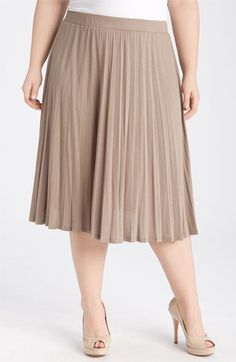 Adorable pleated knit plus size skirt. 3X