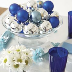 holiday, table decorations, ball, centerpiec, blue, dinner parties, new years eve, party tables, christmas ornaments