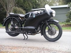 BMW R51/3 plunger frame with Peel fairing   right side