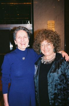 American Historical Association presidents Natalie Zemon Davis (1987) and Linda K. Kerber (2006).