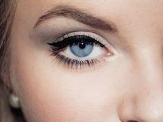 make up tips for blue eyes