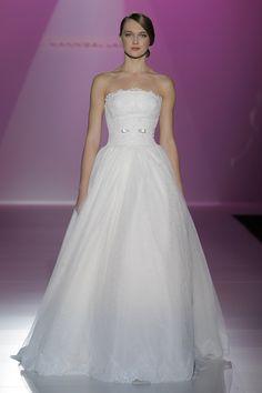 Hannibal Laguna Barcelona Bridal Week vestidos 2014