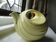 Very Rare Art Deco Hall Rhythm Teapot in Canary Yellow and Gold.
