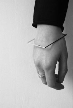 Bracelet Fyrkant by Linnéa Svan.