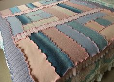 Recycled knit afghan blanket throw lap quilt blue =