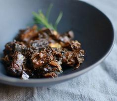 Slow Cooker Recipe:  Peppered Beef Shank in Red Wine